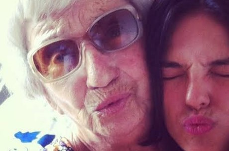 Atriz lamentou morte da avó paterna