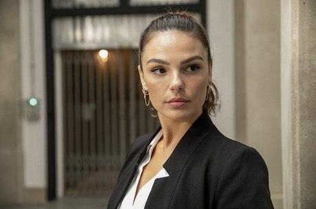 Isis Valverde na mira de Gloria Perez