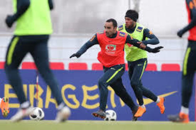 Ismaily (31 anos) - Posição: lateral esquerdo - Clube atual: Shakhtar Donetsk - Valor de mercado: oito milhões de euros.