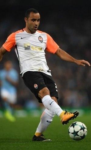 0bd3c22cf24c3 Ismaily se apresenta à seleção   Gosto de apoiar o ataque ...