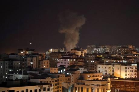 Pelo menos três atiradores palestinos foram mortos