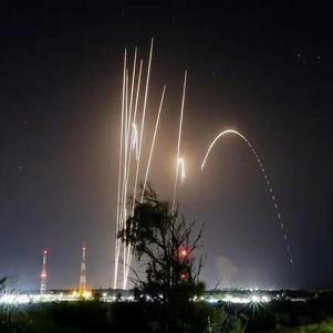Dezenas de foguetes foram disparados contra Israel da Faixa de Gaza, em 12 de maio
