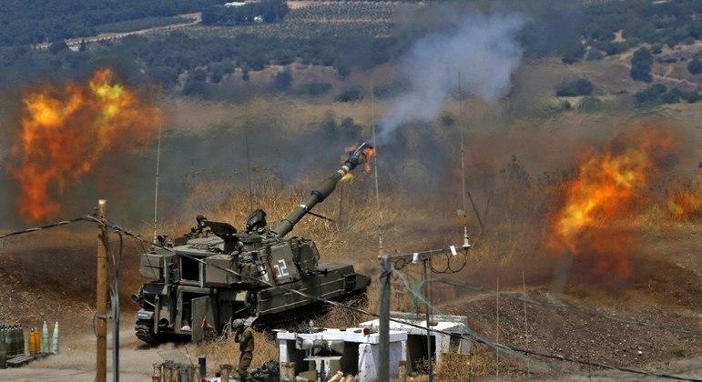 Artilharia israelense dispara na direção do Líbano