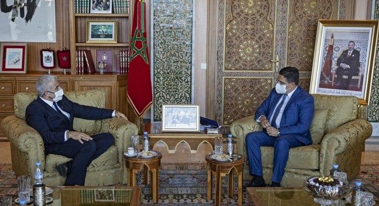 Ministro das Relações Exteriores de Israel, Yair Lapid, e o homólogo marroquino Naser Borita