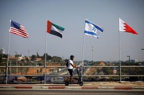 Israel sela acordo com Emirados e Bahrein