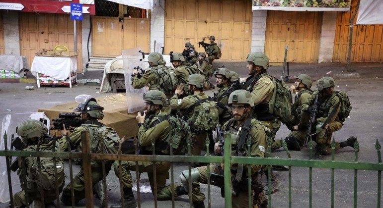 Israel pode mobilizar até 5 mil reservistas, caso o conflito se intensifique