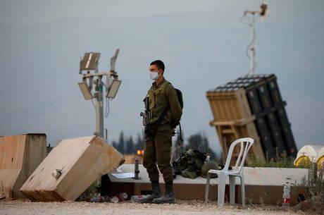 Israel e Hezbollah trocaram tiros nesta segunda-feira (27)