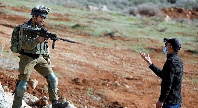 Soldados israelenses reprimiram protesto na Cisjordânia