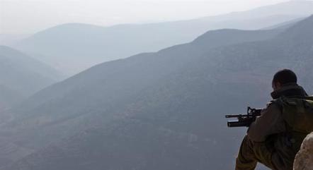Israel busca tirar o conflito de suas fronteiras