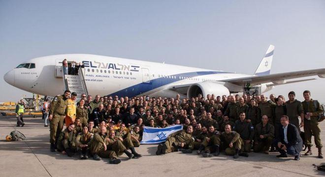 Delegação viajou em voo fretado de companhia israelense