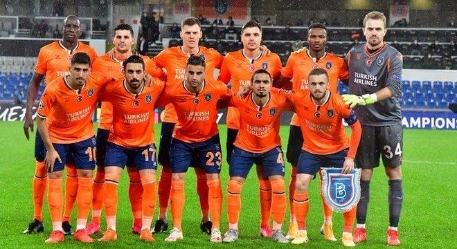 A equipe do Basaksehir que humilhou o Manchester United