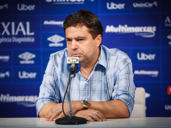 Itair Machado, ex-vice presidente do Cruzeiro, foi internado em estado grave, com pulmões comprometidos. Ele recebeu alta em agosto.