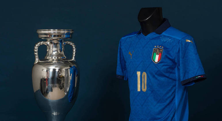 """Itália, a """"Aquadra Azzurra"""", e a taça da EuroCopa"""
