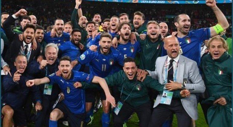 A festa da classificação da Itália