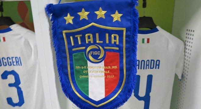Itália, o estandarte que homenageia a categoria Sub-17
