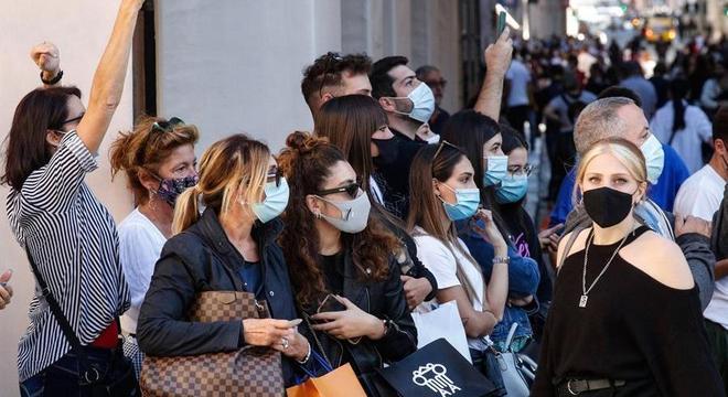 Governo italiano determinou uso de máscaras em locais abertos