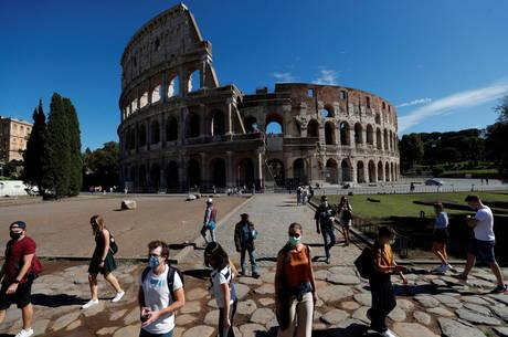 Itália bate recorde de casos diários de covid-19