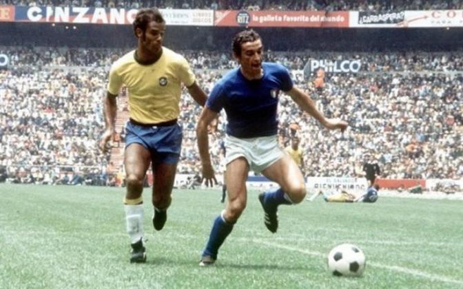 Itália - Luigi Riva: 35 gols em 42 jogos