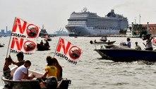 Primeiro cruzeiro pós-covid deixa Veneza em meio a protestos