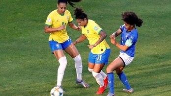 Veja imagens do jogo entre Brasil e Itália pela Copa do Mundo Feminina (Bernadett Szabo/REUTERS)
