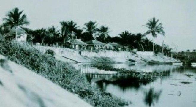 Margem do rio Itaúnas, na antiga vila, onde os pescadores guardavam seus barcos