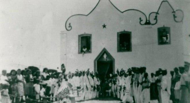 Cerimônia religiosa na antiga vila de Itaúnas