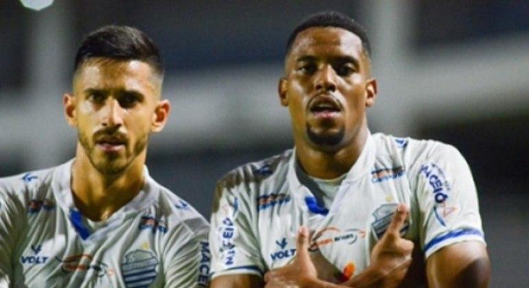 Iury, à direita, marcou os gols do CSA contra a Raposa