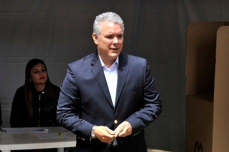 Iván Duque confirmou morte de líder de guerrilha