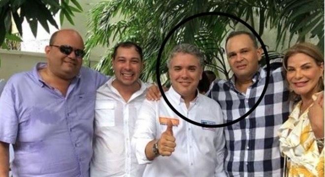 Ivan Duque, presidente da Colômbia, com Ñeñe Hernández, colombiano morto no Brasil