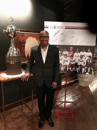 Ivan: ex-zagueiro e lateral-esquerdo, Ivan jogou fora do país, como Valladolid e Atlético de Madrid. Atualmente é empresário de jogadores.