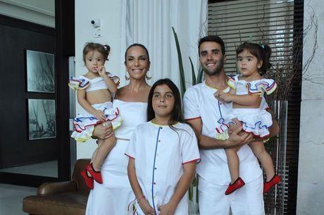 Cantora celebrou aniversário de 2 anos das gêmeas