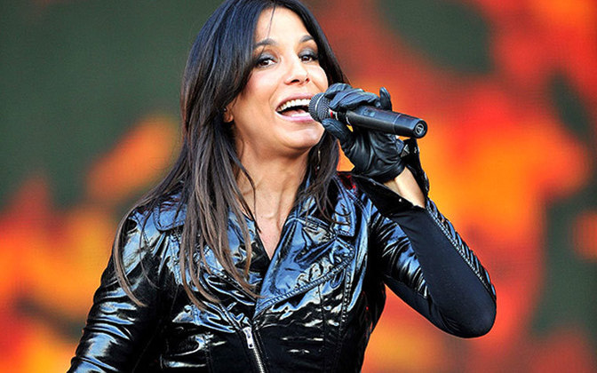 Ivete Sangalo - Cantora - Time que torce: Vitória