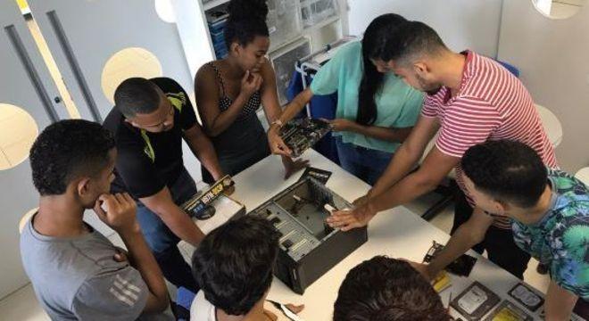 JA Brasil é uma organização focada em impulsionar o futuro dos jovens