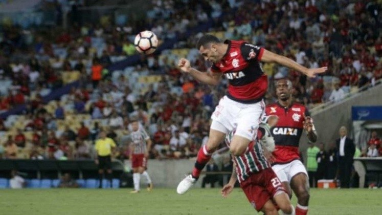 Já em 2017, o Fluminense teve pela frente o clássico contra o Flamengo nas quartas de finais da competição. O Rubro-negro venceu por 1 a 0 e após um empate eletrizante por 3 a 3 se classificou para a semifinal e mais tarde perdeu a final para o Independiente, de Almagro.