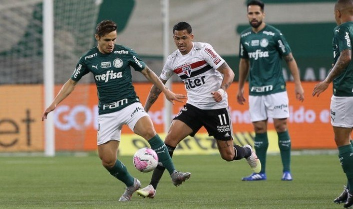 Já na quarta-feira é dia da 16ª rodada do Brasileirão, com diversos jogos, como Palmeiras x Coritiba (18h), Grêmio x Botafogo (19h15) e Santos x Atlético-GO (20h30), com transmissão do Premiere.