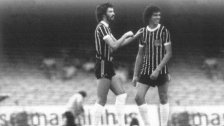 Já no Campeonato Brasileiro, levando-se em conta as competições Robertão (Roberto Gomes Pedrosa), Taça Brasil, Taça de Prata e Série A, quem detém a maior goleada é o Corinthians. O Timão atropelou o Tiradentes, do Piauí, por 10 a 1, em 1983, em jogo com quatro gols de Sócrates.