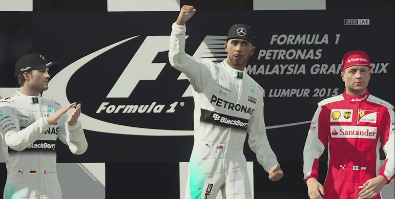 Já no F-1 2015, a face do piloto apareceu nas celebrações do pódio.