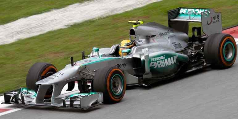 Já no primeiro ano de Mercedes, em 2013, o W04 trouxe apenas uma vitória ao hexacampeão. O menor número desde que entrou na F1. Terminou o campeonato em quarto