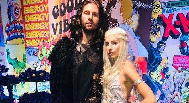 Já o lateral-esquerdo Filipe Luís se inspirou no personagem Jon Snow, enquanto sua esposa foi de Daenerys, ambos da série Game of Thrones.