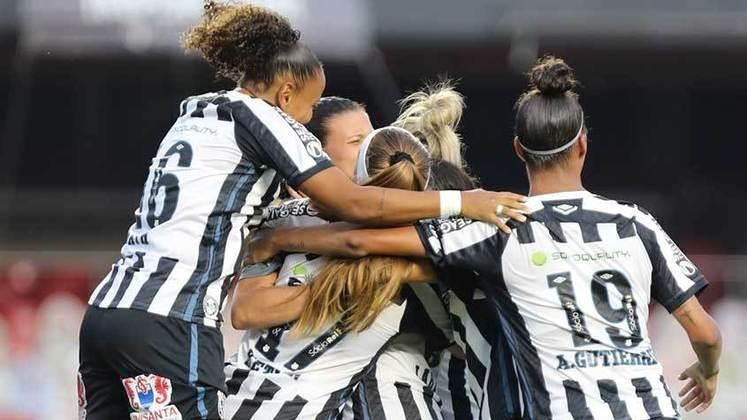 Já o time feminino do Santos teve 22 atletas diagnosticadas e foi derrotado por WO pelo São José no Campeonato Paulista Feminino de 2020.