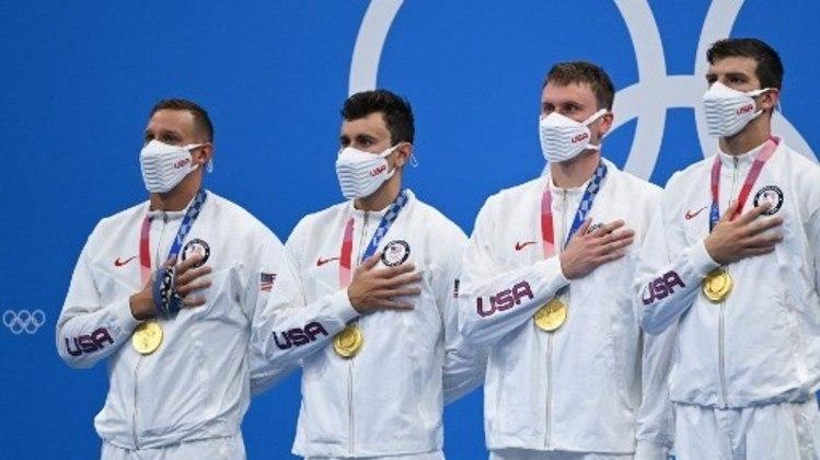 Já os Estados Unidos faturou a medalha de ouro no revezamento 4x100m masculino. O Brasil ficou em último na disputa.