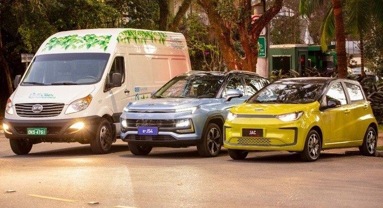 Empresa terá um portfólio de sete veículos deste porte no país