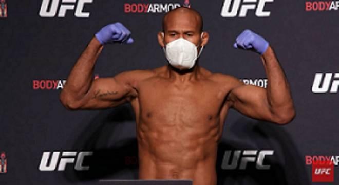 Pela primeira vez  na história, um lutador é vetado por coronavírus. Jacaré