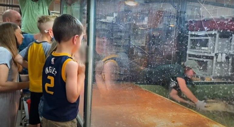 Momento de tensão foi visto por crianças durante festa infantil