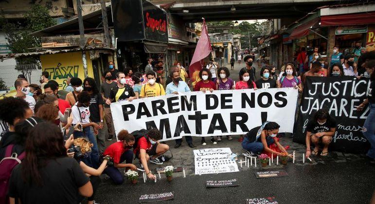 Protesto após ação no Jacarezinho