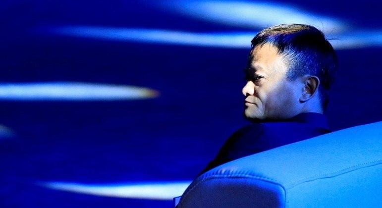 Reguladores da China frearem o Ant Group e o Alibaba por questões antitruste