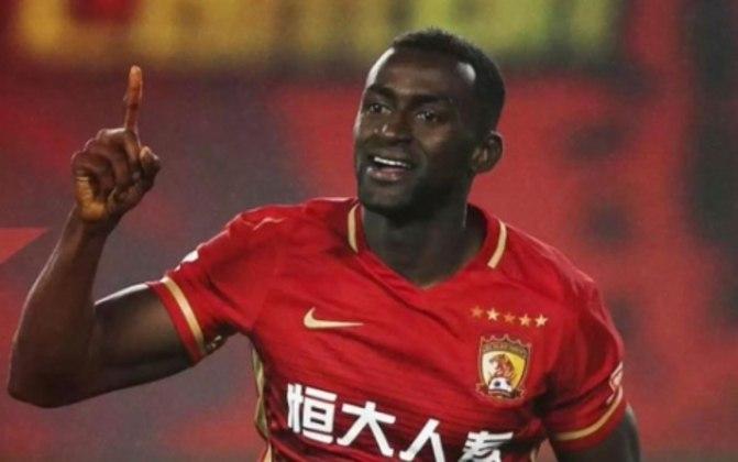Jackson Martínez - Experiente atacante de 34 anos, o colombiano passou pelo Atlético de Madrid e ficou vários anos na China, até ficar sem contrato em agosto de 2020, após não renovar com o Portimonense.
