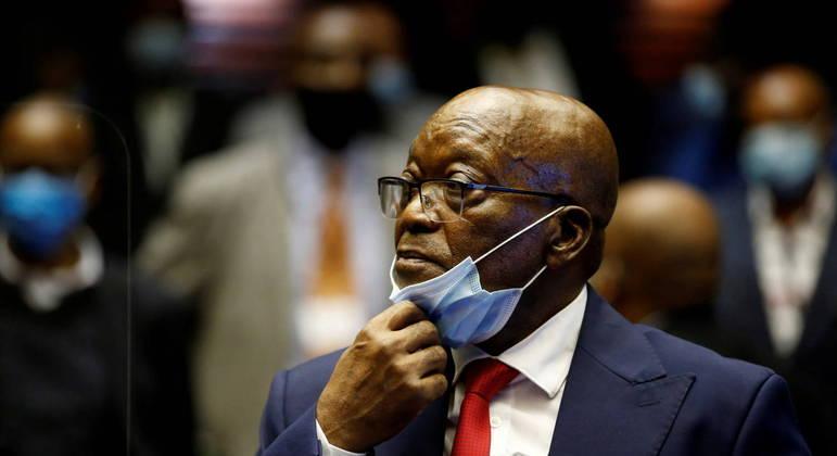 Julgamento de ex-presidente da África do Sul, Jacob Zuma, é adiado para agosto