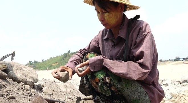 Mina de jade no norte de Mianmar é a esperança de muitas pessoas