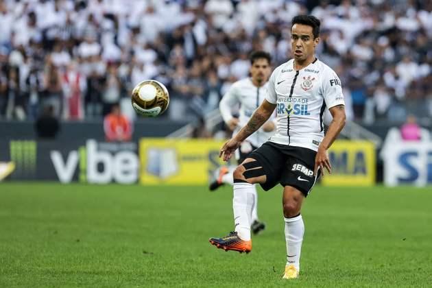 Jadson é quem mais deu assistências para gol no Corinthians neste século. Foram 63 passes que viraram gol em 245 jogos (fez ainda 50 gols) em suas passagens de 2014 a 2015 e entre 2017 e 2019.